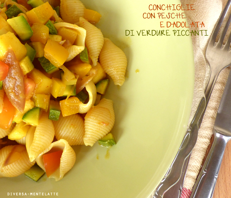 Conchiglie con pesche e verdura