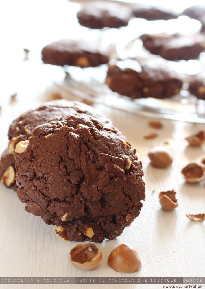 cookie cioccolato e nocciole vegan