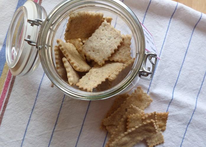 Crackers integrali [con pasta madre] alle erbe di provenza