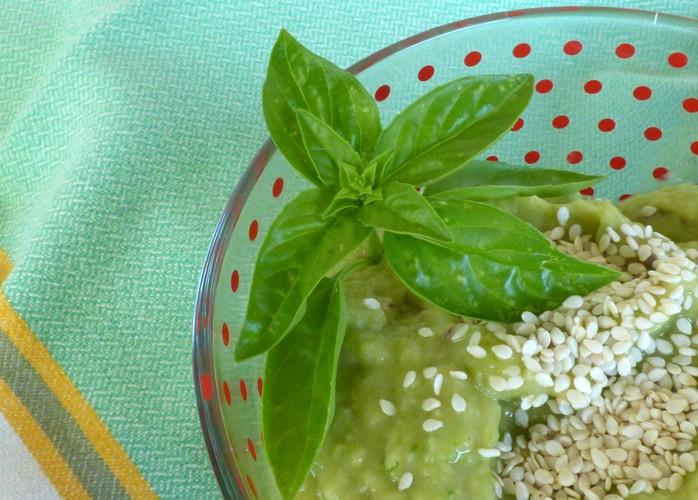 Crema fredda di avocado e basilico