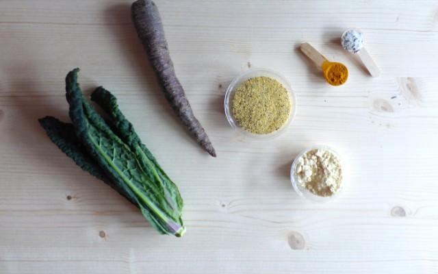 Frittelle di cavolo nero e carote viola senza glutine