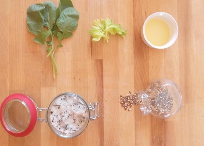 Pesto di foglie di ravanello e sedano