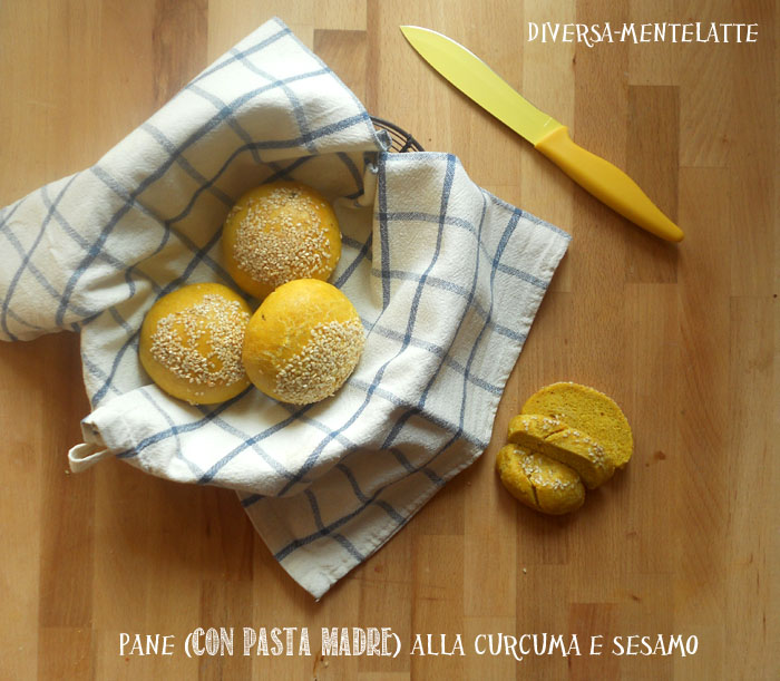 Pane con pasta madre curcuma sesamo
