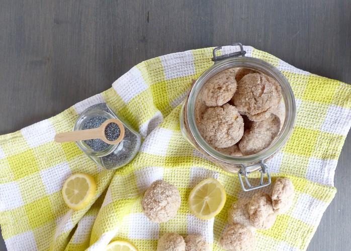 Biscotti vegani al limone e semi di papavero