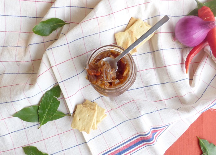 Chutney di cipolle, mele e zenzero