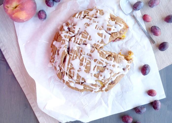 Torta integrale con frutta estiva
