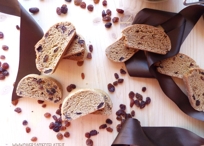 Biscotti con uvetta e zenzero al marsala