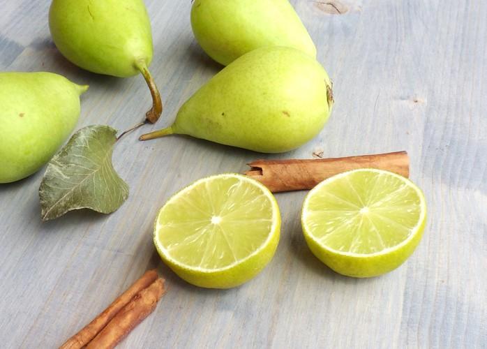 Confettura di pere, lime e cannella