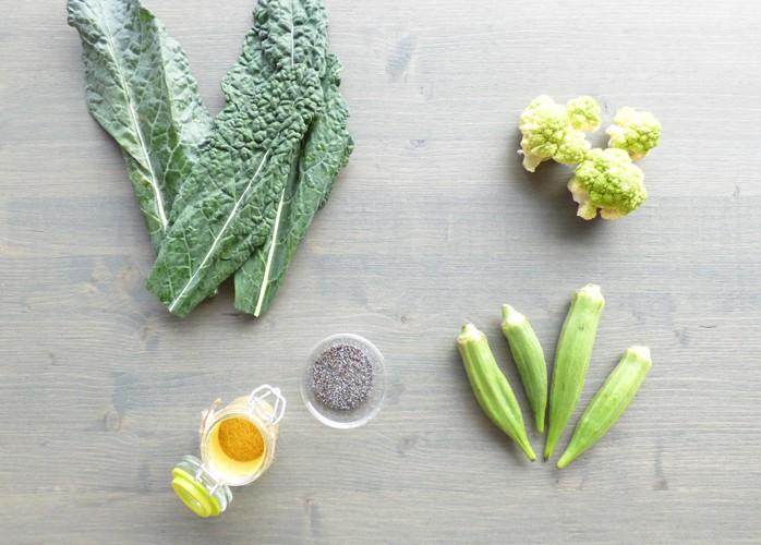Curry di okra, cavolo nero e cavolfiore verde