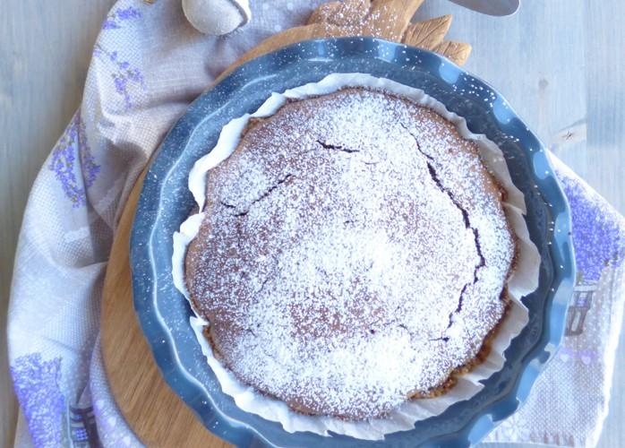 Torta bicolore senza burro e senza uova