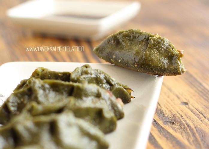 Gyoza al tè verde matcha ripieni di verdure croccanti