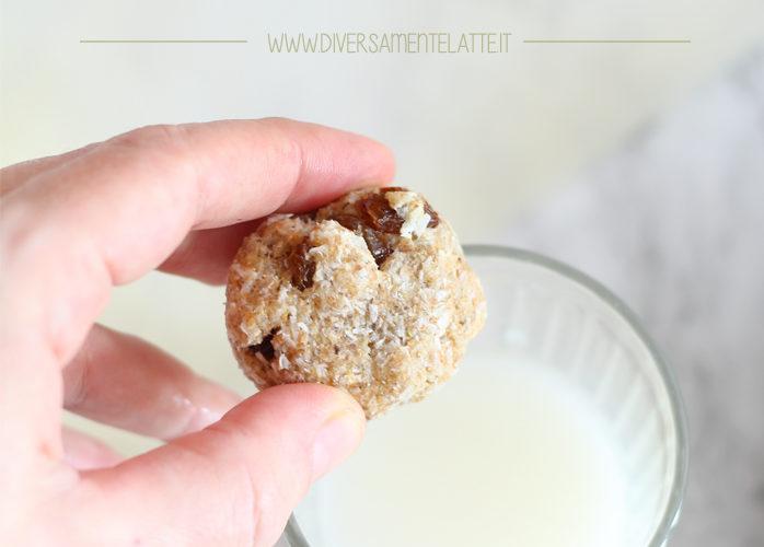 Biscotti morbidi al cocco e uvetta