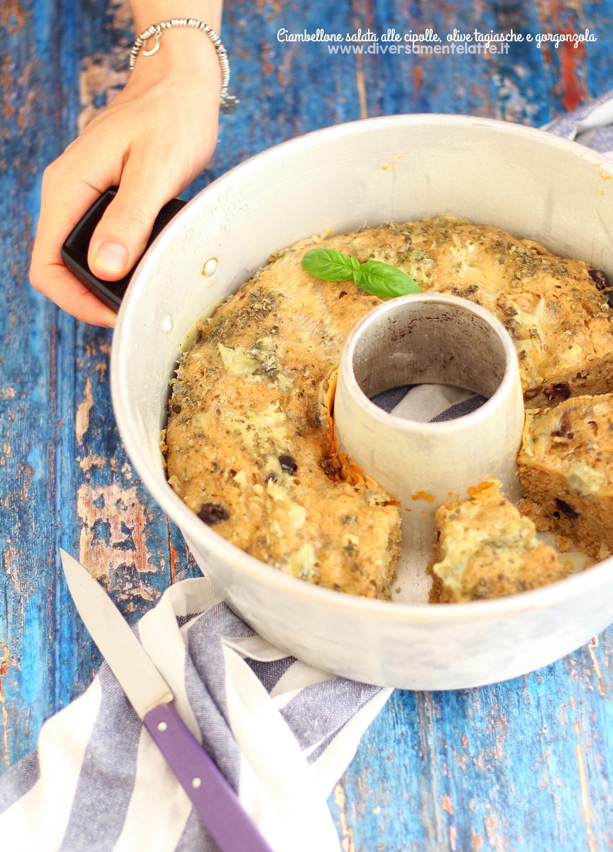 ciambellone salato alle cipolle