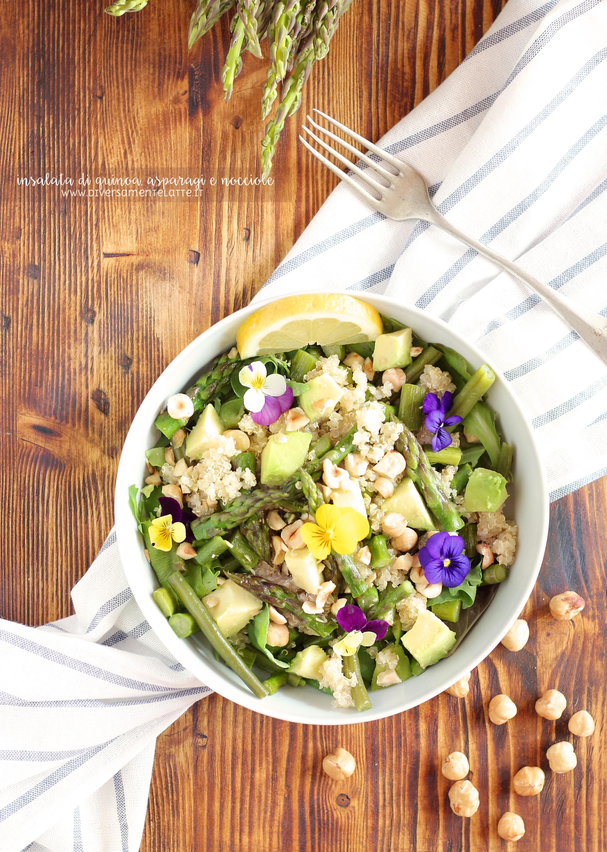 insalata verde di quinoa, asparagi e nocciole