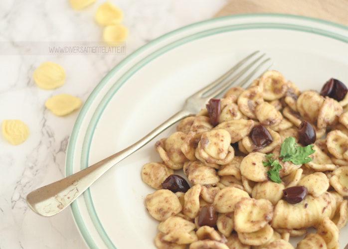 Orecchiette con pesto di olive taggiasche e cannellini