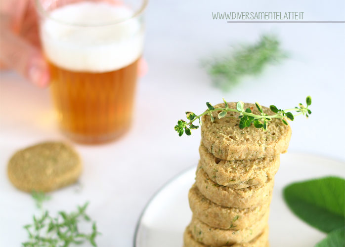 Biscotti salati alle erbe aromatiche senza lattosio