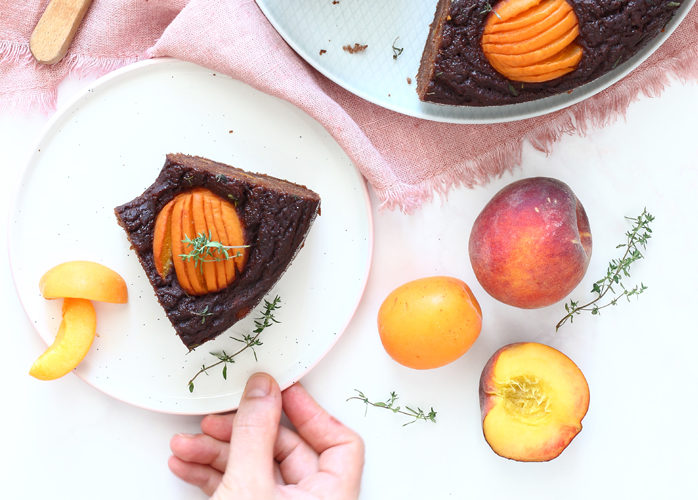 Ciambella al cacao, albicocche e pesche nella pentola fornetto