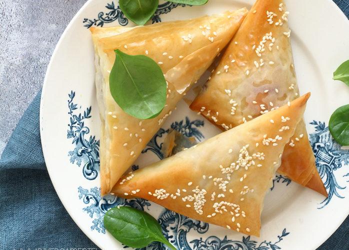Triangoli di pasta fillo con cavolo viola e zucca