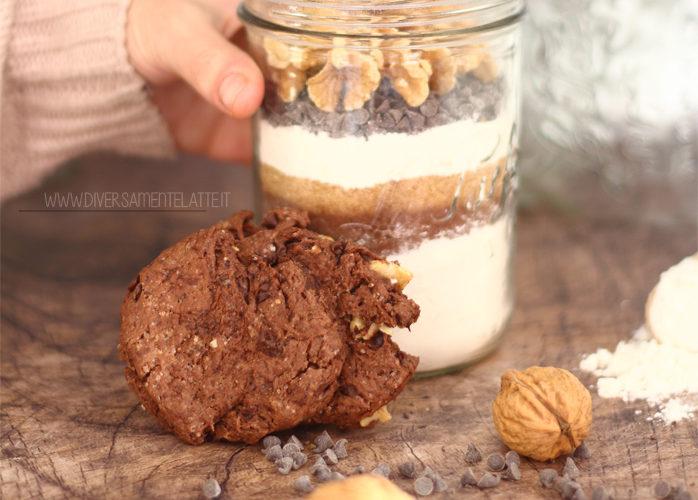 Preparato per biscotti alle noci e cioccolato in vasetto