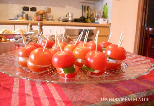 Pomodori con mozzarella no-lattosio e tzaziki