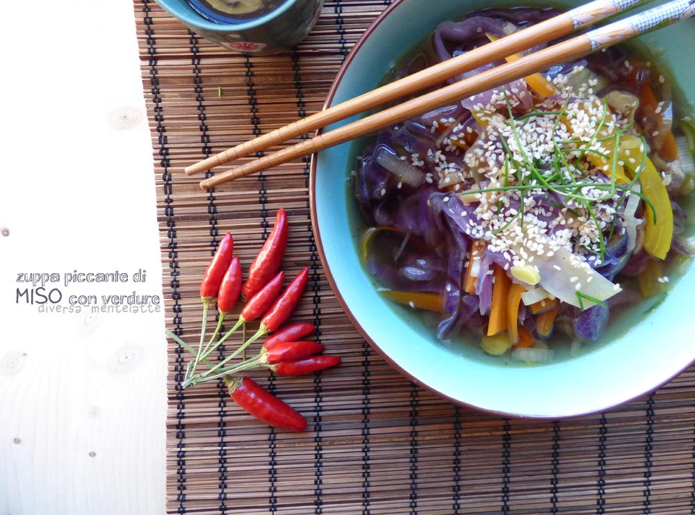 zuppa piccante miso con verdure