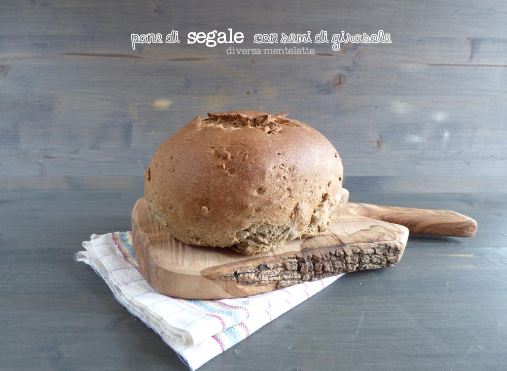 pane di segale con semi di girasole
