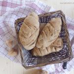 diversamentelatte pane integrale alle acciughe ed olive