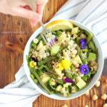 diversamentelatte_insalata di quinoa, asparagi e nocciole